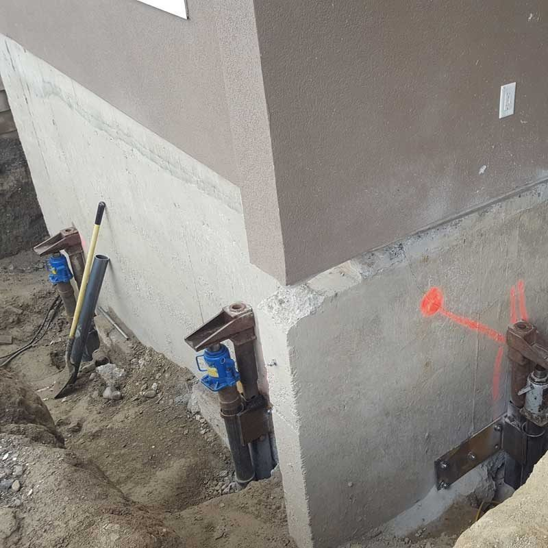 foundation_repair_with_helical_post